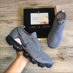 NWT Nike Air Vapormax Flyknit Moc 2 Sneakers, 10.5